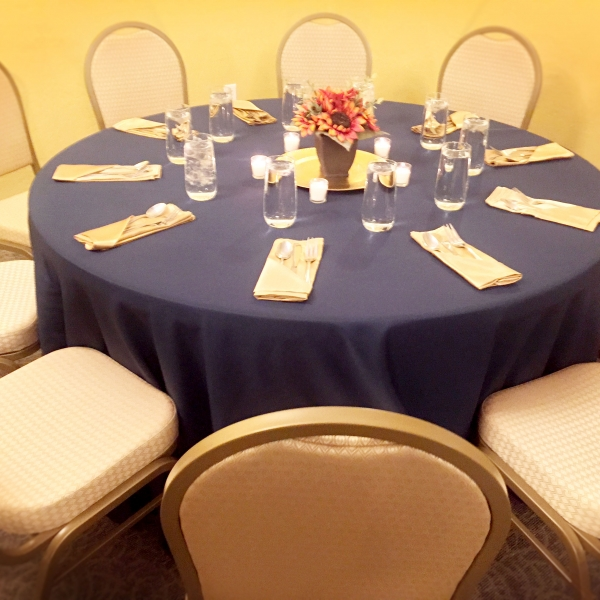 Prescott meeting place setting at Forest Villas Hotel